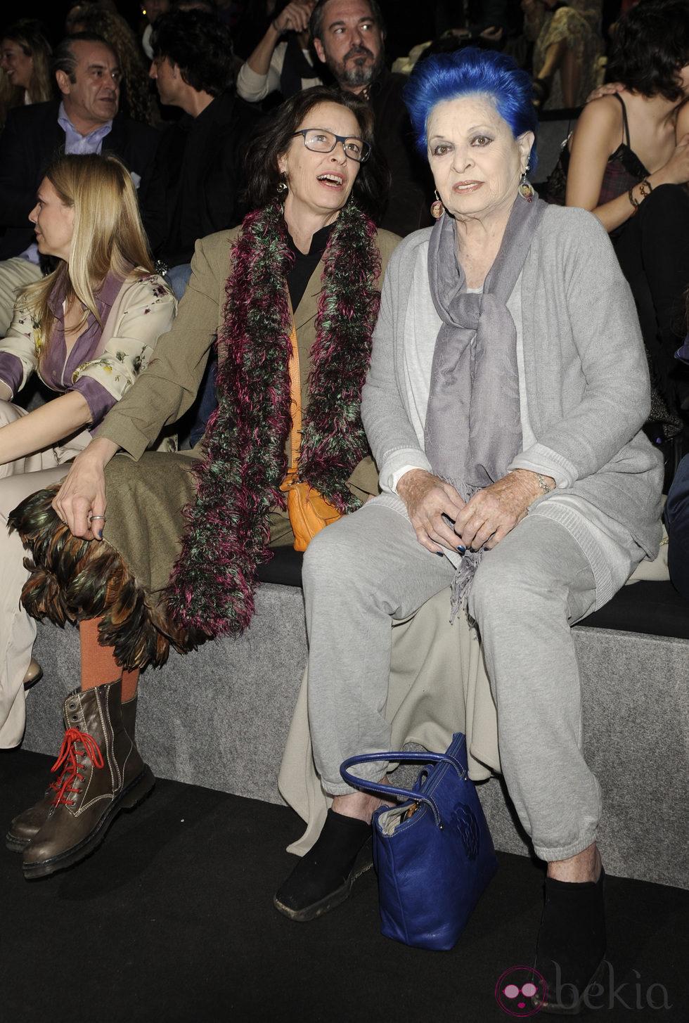 Paola Dominguin y Lucía Bosé en el desfile de Francis Montesinos en Madrid Fashion Week otoño/invierno 2014/2015