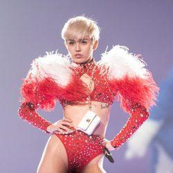 Miley Cyrus arranca su gira 'Bangerz Tour' con un concierto en Vancouver