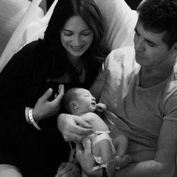 Simon Cowell y Lauren Silverman presentan a su hijo Eric Philip