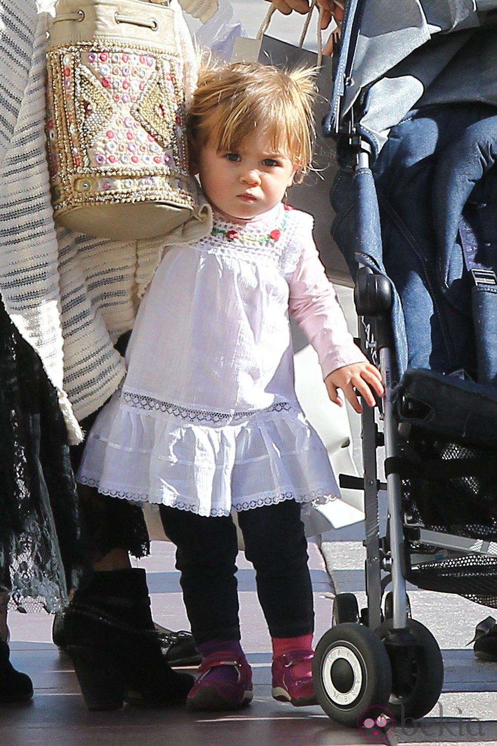 India Rose Hemsworth de compras con su madre