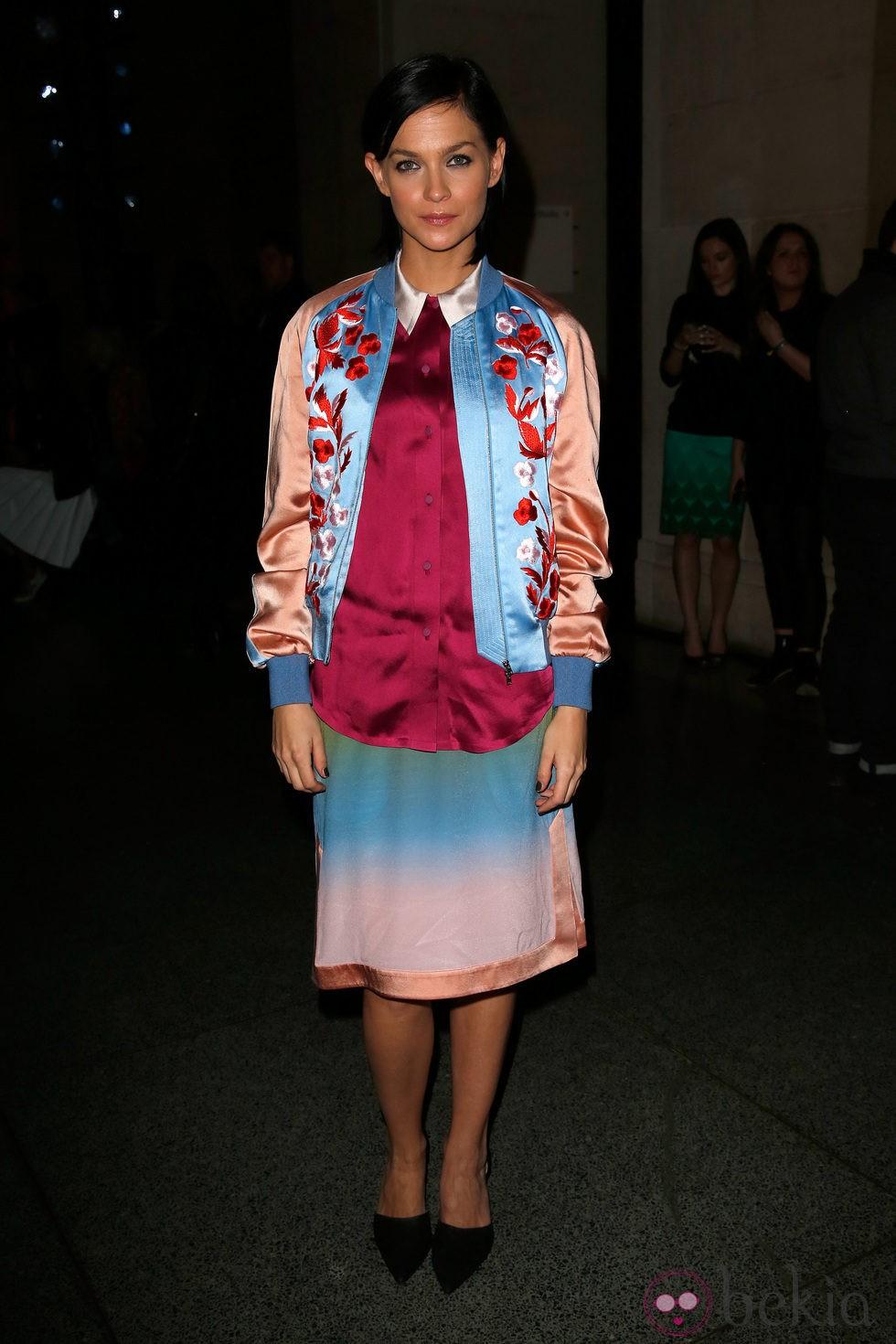 Leigh Lezark en el front row de la Semana de la Moda de Londres 2014