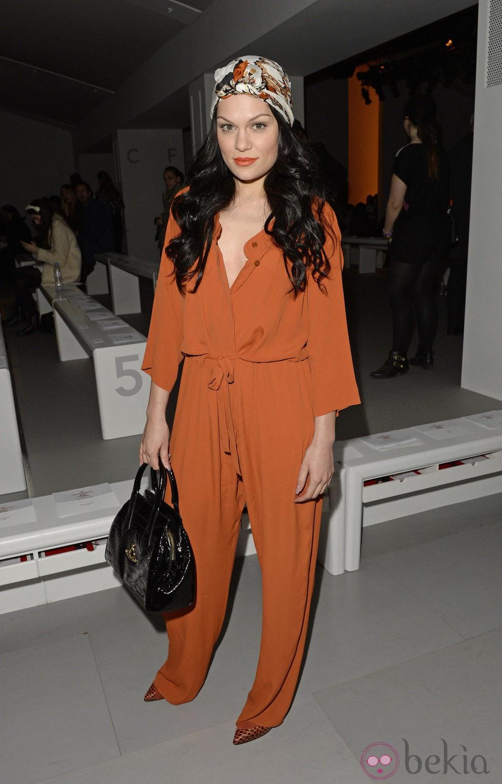 Jessie J en el front row de la Semana de la Moda de Londres 2014