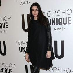 Kendall Jenner en el front row de la Semana de la Moda de Londres 2014