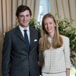 El Príncipe Amadeo de Bélgica y Lili Rosboch en su compromiso