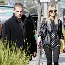 Heidi Klum con su nuevo guardaespaldas paseando por Los Angeles