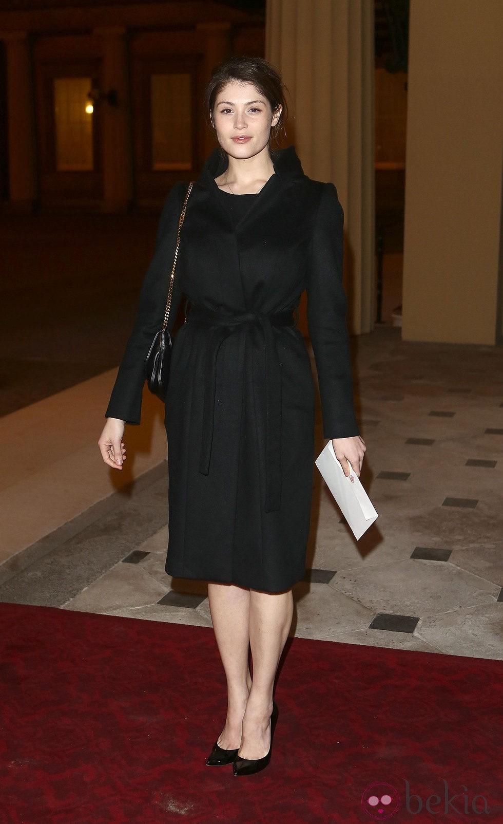 Gemma Arterton en una recepción en Buckingham Palace