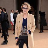 Jamie Campbell Bower en el desfile de Burberry de la Londres Fashion Week 2014