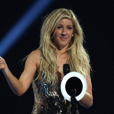 Ellie Goulding recoge su premio a la mejor solista solista femenina británica en los Brit Awards 2014