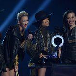3RDEYEGIRL sobre el escenario de los Brit Awards 2014