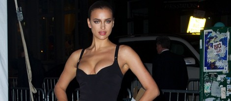 Irina Shayk en una fiesta del 50 aniversario Sports Illustrated Swimsuit en Nueva York