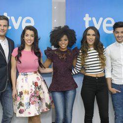 Raúl, Ruth Lorenzo, Brequette, Dama y Jorge González en la presentación de 'Mira quién va a Eurovisión'