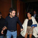 Cesc Fábregas sale de cenar con Daniella Semaan en Londres