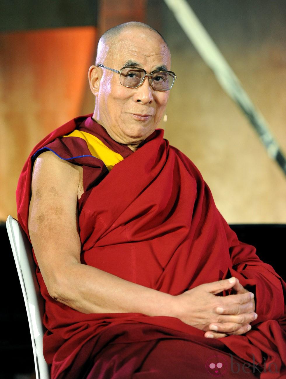 El Dalai Lama en el encuentro organizado por la Fundación Lourdes para que los famosos se encontraran con él