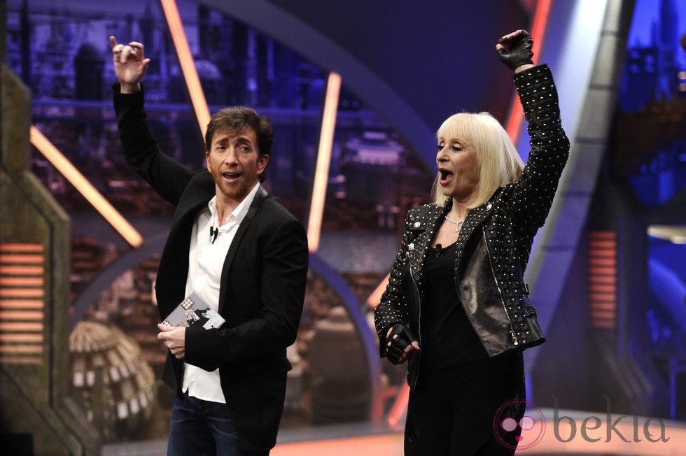 Raffaella Carrá bailando con Pablo Motos en 'El hormiguero'