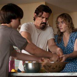 Kate Winslet, Josh Brolin y Gattlin Griffith en 'Una vida en tres días'