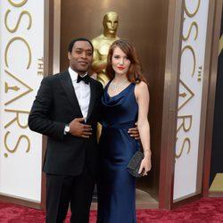 Chiwetel Ejiofor en la alfombra roja de los Oscar 2014