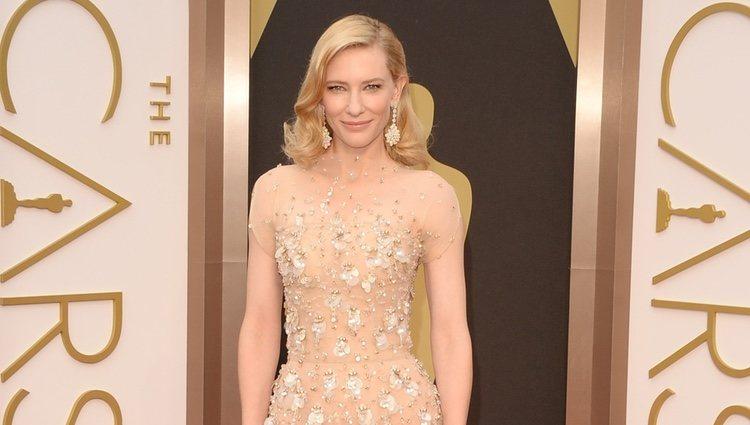 Cate Blanchett en la alfombra roja de los Oscar 2014
