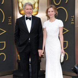 Harrison Ford y Calista Flockart en la alfombra roja de los Oscar 2014