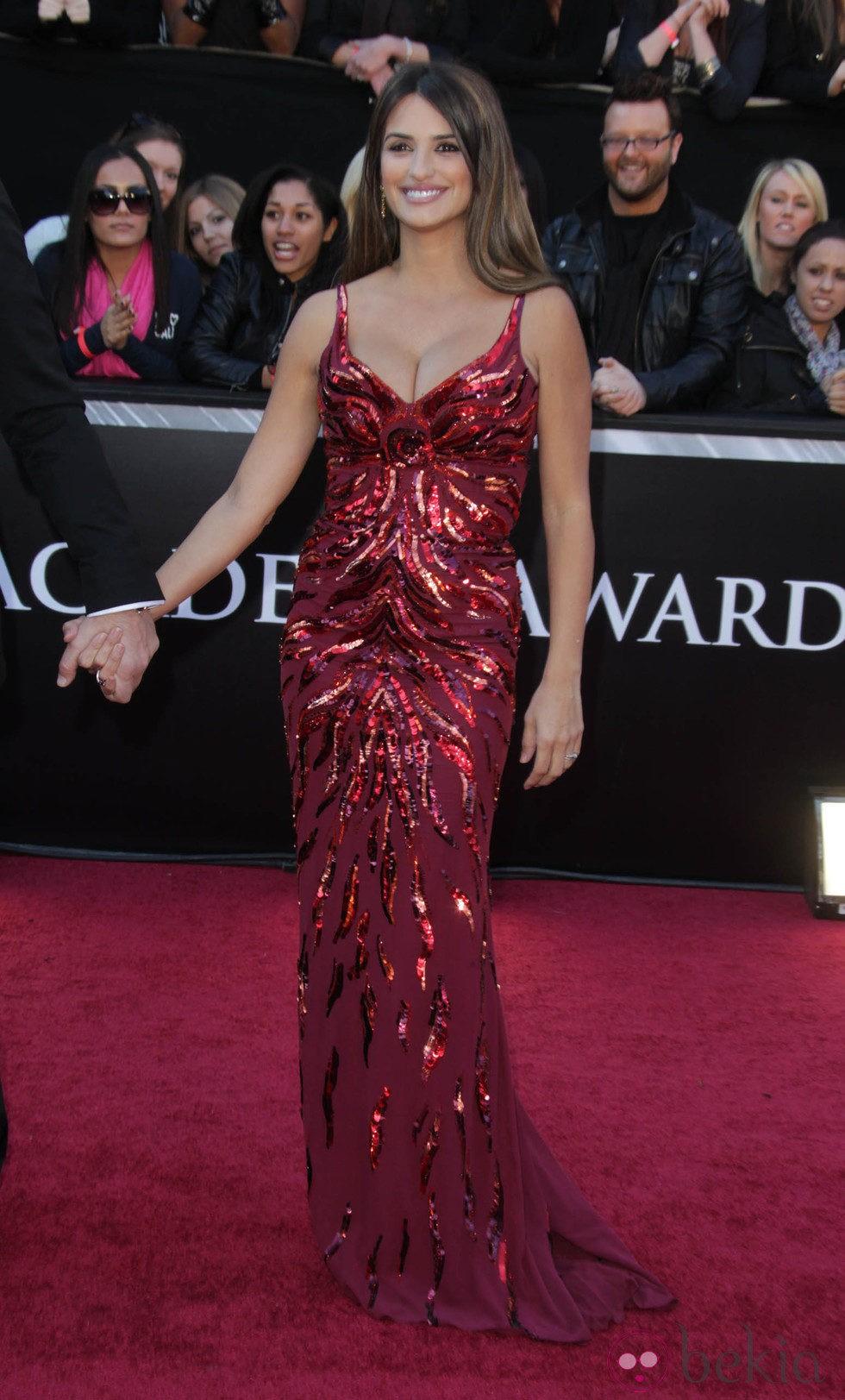 Penélope Cruz en la alfombra de los Oscar 2011
