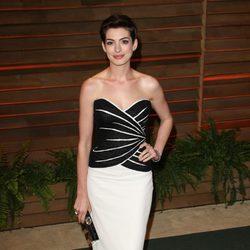 Anne Hathaway en la fiesta Vanity Fair tras los Oscar 2014