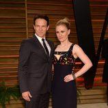 Stephen Moyer y Anna Paquin en la fiesta Vanity Fair en los Oscar 2014