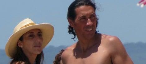 Paz Padilla y su novio Antonio en la playa