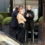 Melanie Griffith y Stella Banderas en París