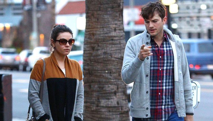 Ashton Kutcher y Mila Kunis reaparecen tras el anuncio de su compromiso