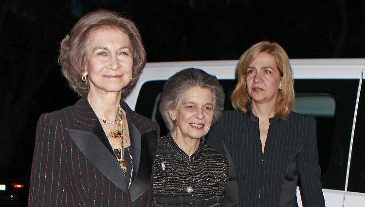 La Reina Sofía, Irene de Grecia y la Infanta Cristina en la proyección del documental sobre Pablo de Grecia