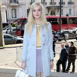 Elle Fanning en el desfile de Miu Miu en la Paris Fashion Week 2014
