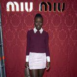 Lupita Nyong'o en el desfile de Miu Miu en la Paris Fashion Week 2014