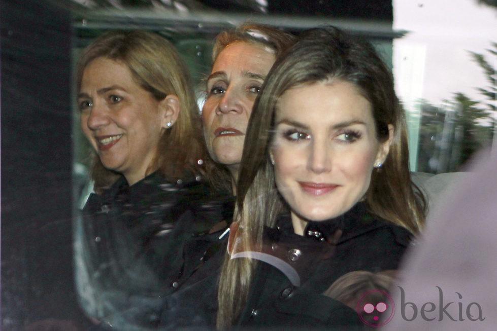 La Princesa Letizia y las Infantas Elena y Cristina en el funeral en memoria del Rey Pablo de Grecia