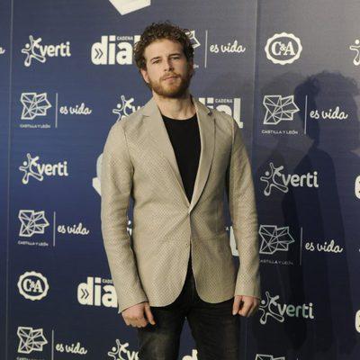 Álvaro Cervantes en los Premios Cadena Dial 2013