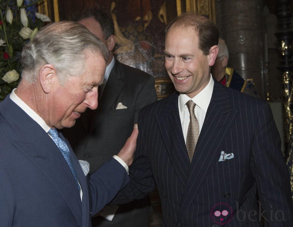 El Príncipe Carlos felicita por su 50 cumpleaños al Príncipe Eduardo en el Día de la Commonwealth