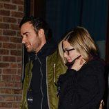 Jennifer Aniston y Justin Theroux a la salida de un restaurante de Nueva York