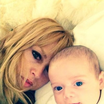 Rachel Zoe y su hijo Kaius Jagger haciendo un 'selfie'