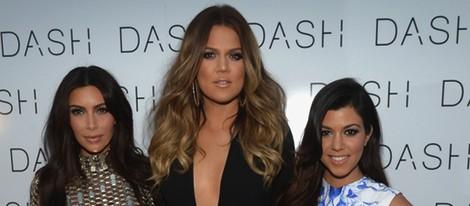 Kim, Khloe y Kourtney Kardashian en la inauguración de su tienda Dash en Miami