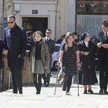 La familia de Concepción Sáenz de Tejada en su funeral en Soria