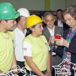 La Reina Sofía visita una escuela taller en Guatemala