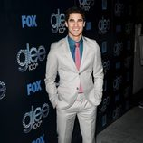 Darren Criss en la fiesta del episodio 100 de 'Glee'