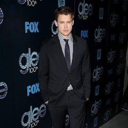Chord Overstreet en la fiesta del episodio 100 de 'Glee'
