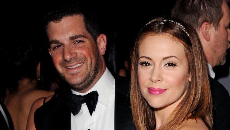 Alyssa Milano con su marido David Bugliari en Beverly Hills