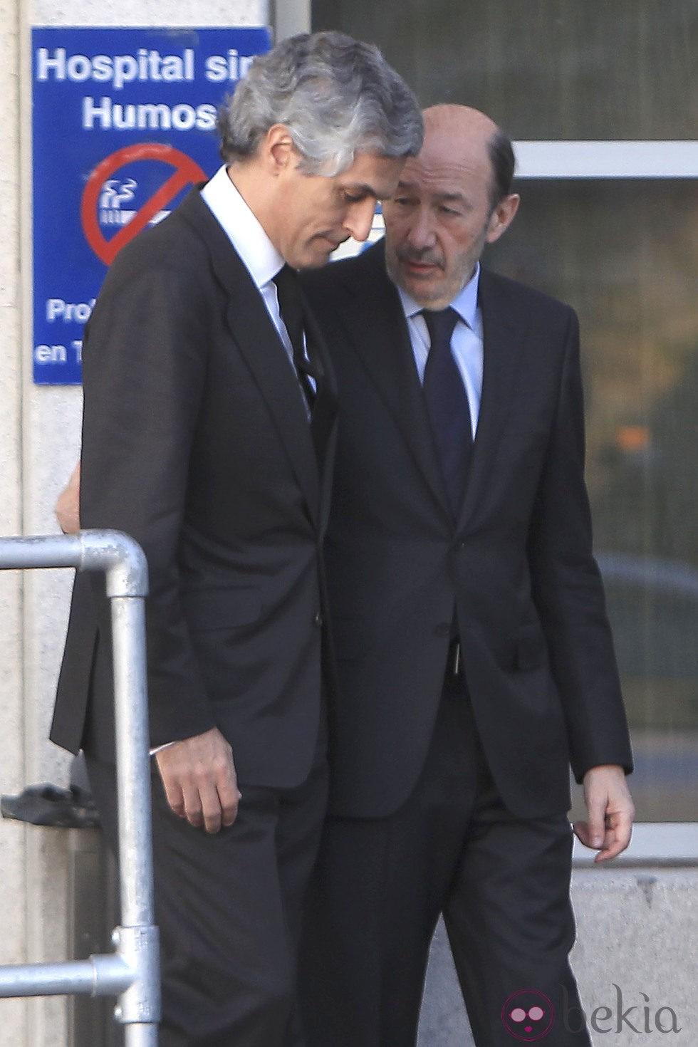 Alfredo Pérez Rubalcaba y Adolfo Suárez Illana en el velatorio de Adolfo Suárez
