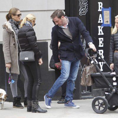 Magdalena de Suecia y Chris O'Neill paseando con la Princesa Leonor por Nueva York