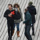 Louis Tonlinson durante el rodaje del nuevo video de One Direction