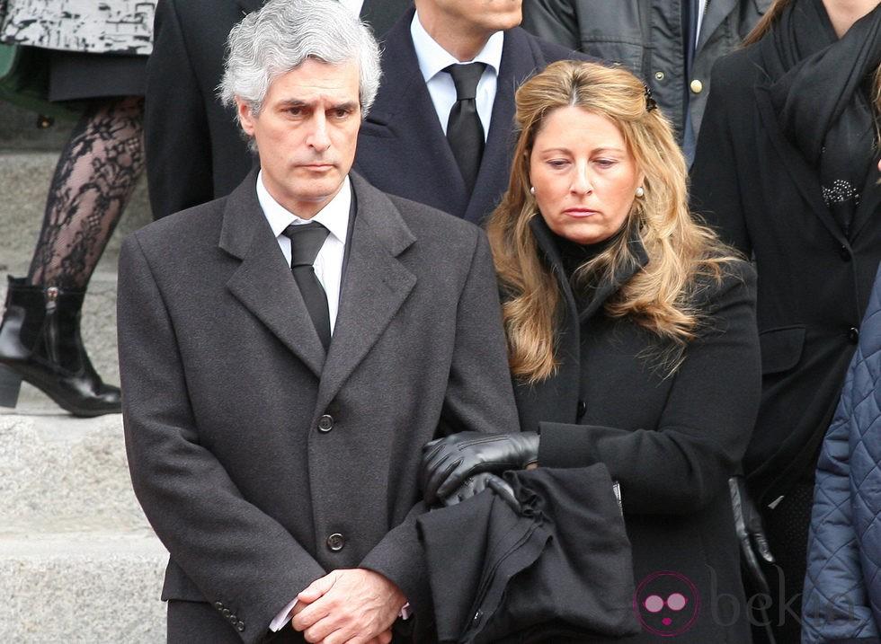 Adolfo Suárez Illana y su mujer Isabel Flores en el cortejo fúnebre de Adolfo Suárez