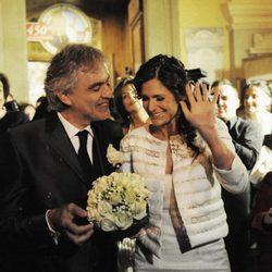 Andrea Bocelli y su mujer Veronica Berti recién casados