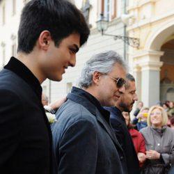 Andrea Bocelli llega al Santuario en el que se ha celebrado su boda