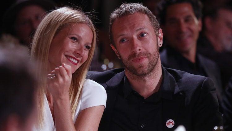 Gwyneth Paltrow y Chris Martin en una gala solidaria
