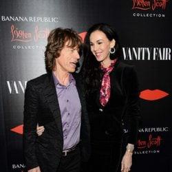 Mick Jagger y la diseñadora L'Wren Scott en la presentación de su colección 2013